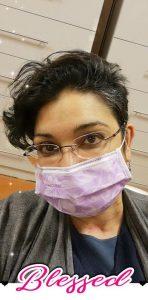 Ich mit lila Mundschutz