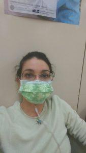 ich mit grünem Mundschutz