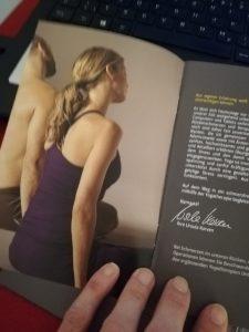 das Booklet - Yogatherapie mit Ursula Karven